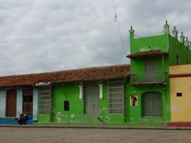 Typisch bunte Häuserfassade