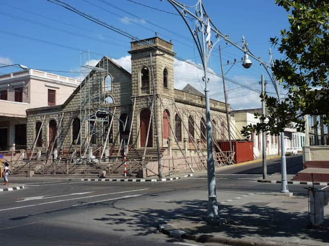 wunderschöne Kathedrale in Cienfuegos