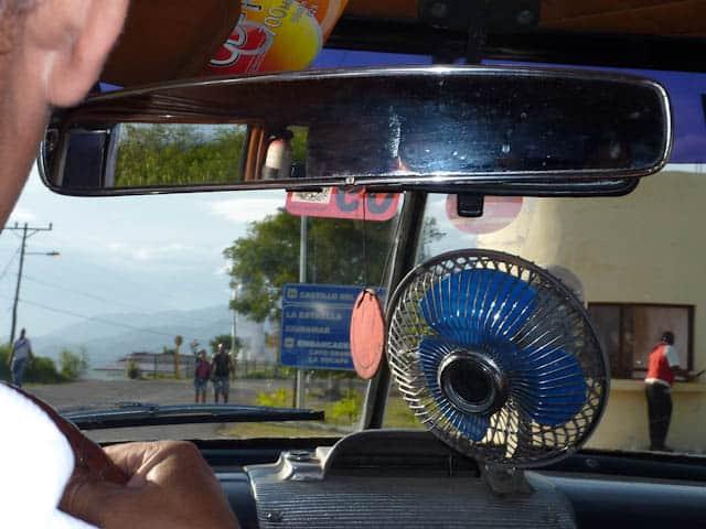 Der Ventilator  im Taxi sorgt für einen kühlen Kopf