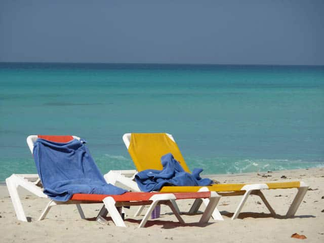 Der Strand ist der ideale Platz um ein Buch zu lesen